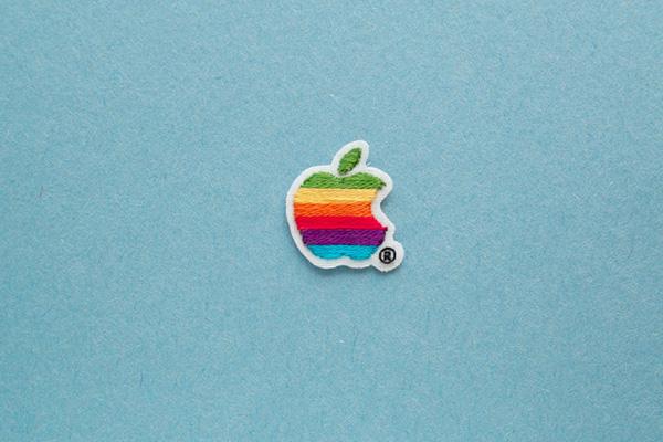 アップルマークの手刺繍ワッペン